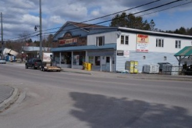 4072 county road 121, Kinmount Ontario, Canada Located on Burnt River